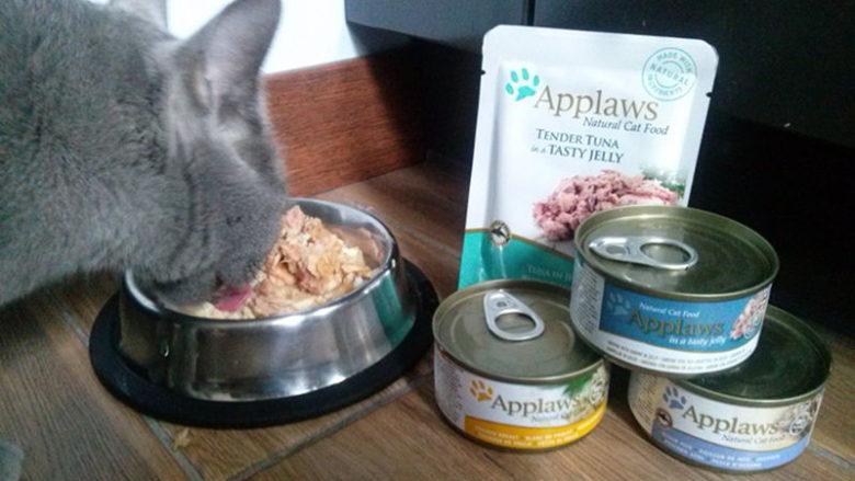 Mokra karma Applaws dla kotów